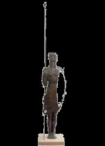 bronze-skulptur-janusischer-waechter