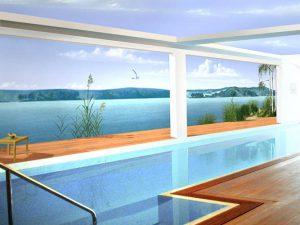 wandmalerei-im-schwimmbad-mit-seeblick