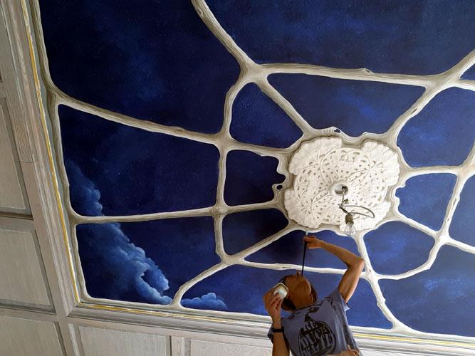 deckenmalerei-fuer-wohnraum