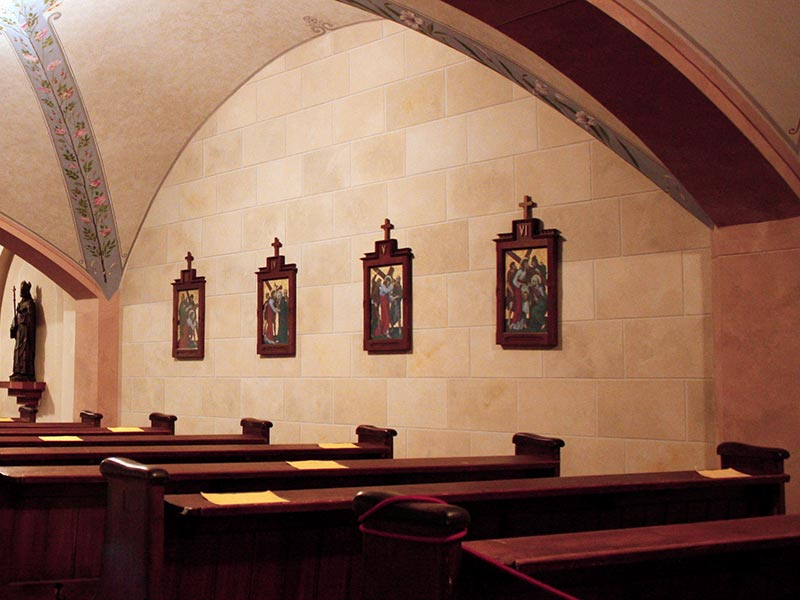wandmalerei-steinarchitektur-kirche